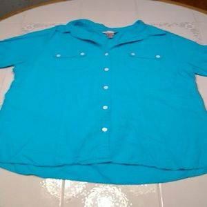 Button down top short sleeve size large.    183